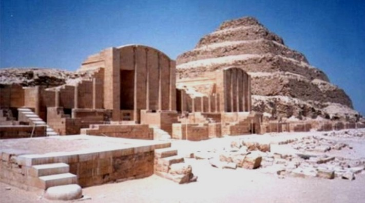 old kingdom of ancient egypt essay The ostraca from deir el-medina would not appear to be the only evidence for divorce in dynastic egypt the old kingdom mastaba tomb of sennefer contained within it a.